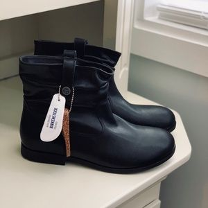 NEW Birkenstock Sarnia Leather boots $180